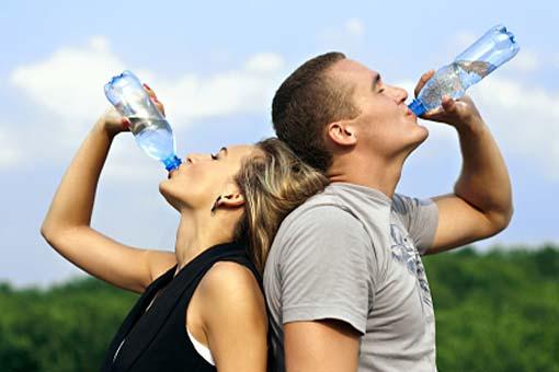 Sport: prévenir la déshydratation et les problèmes de rein