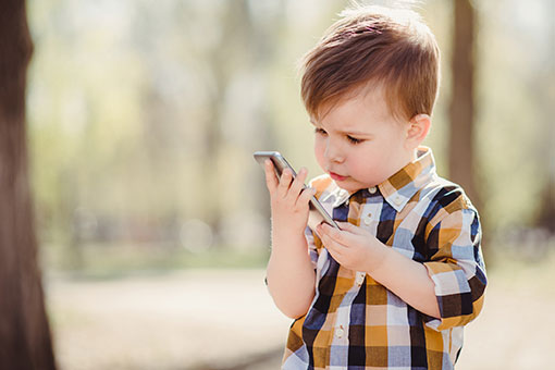 Écrans : quelles règles de bon usage pour les enfants ?