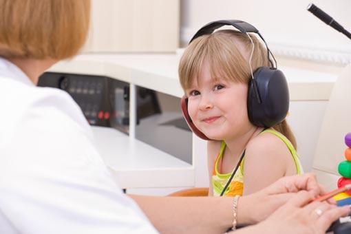 Surveiller l'audition des enfants