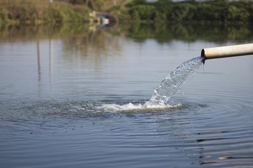 Se protéger des maladies transmises par l'eau et les aliments